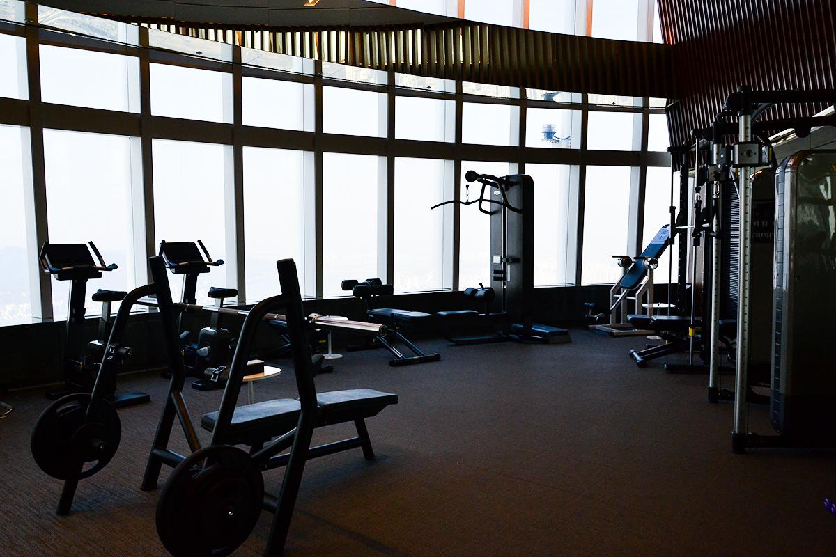 85階から絶景を見ながら体を鍛えられます!