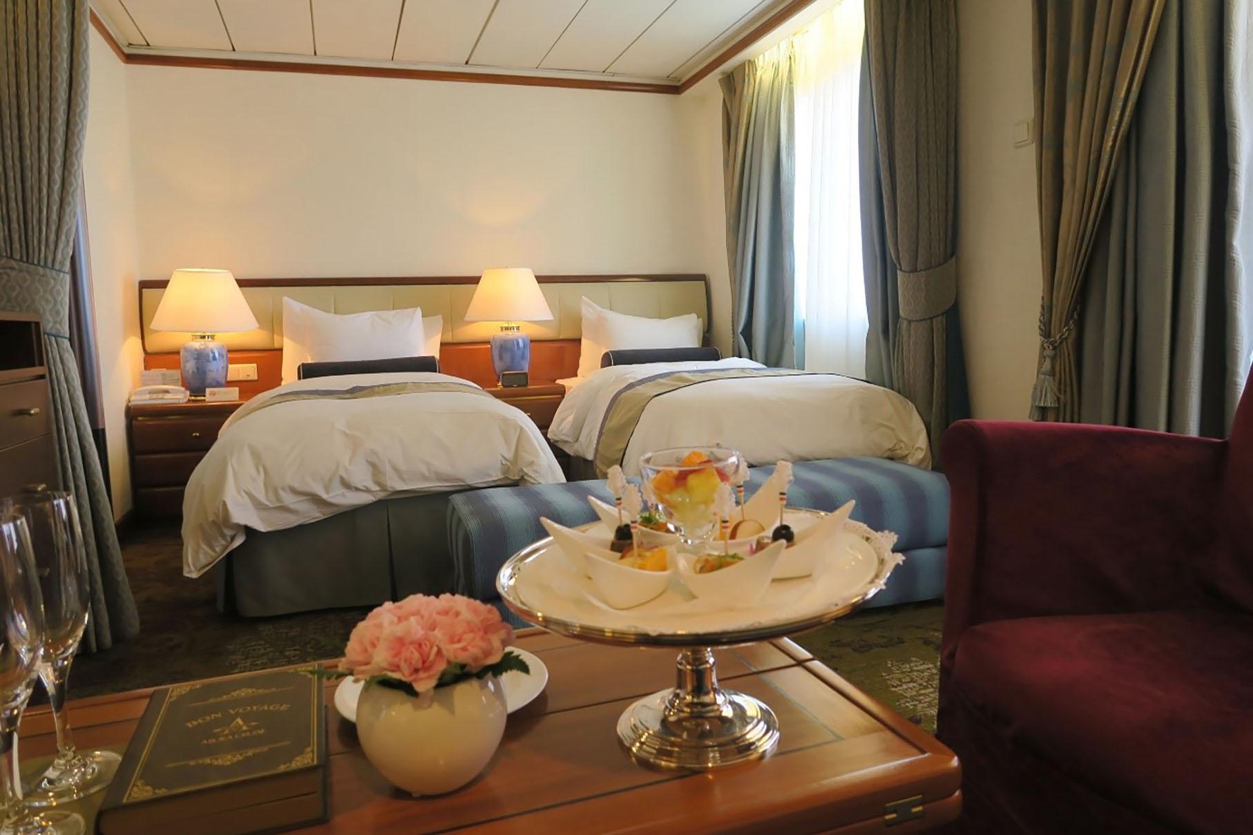 アスカスイート客室ベッド