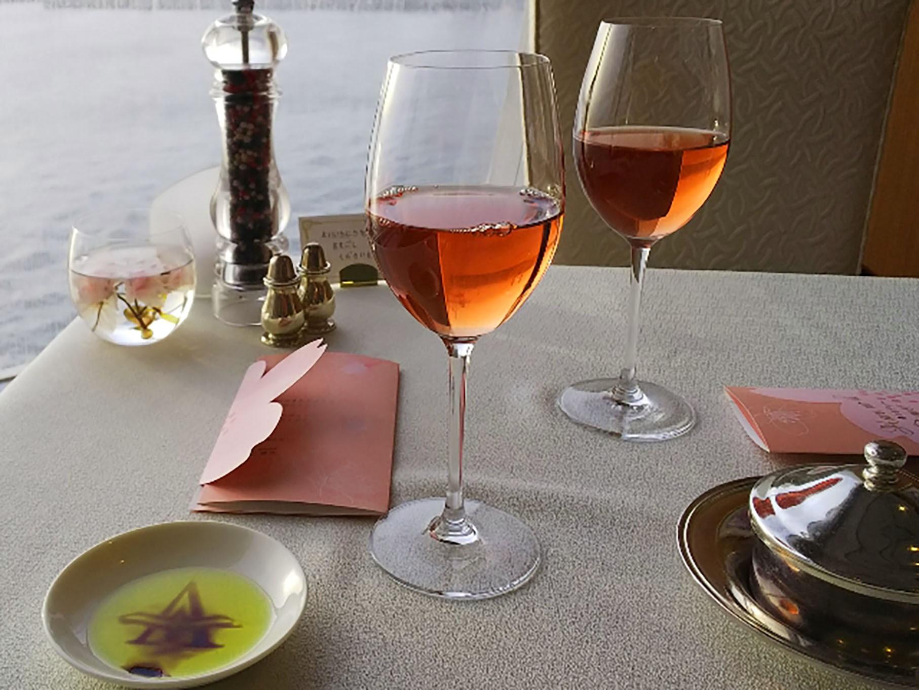 飛鳥Ⅱ食事ワイン