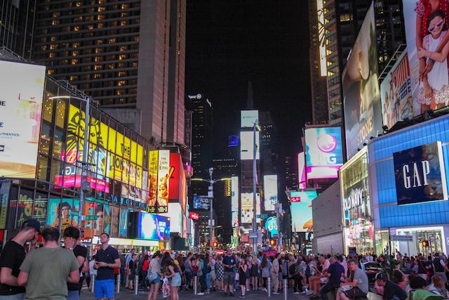 タイムズスクエアの夜