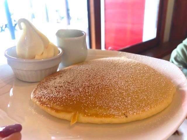 ジャージーミルクパンケーキ 清泉寮ソフトクリーム&メープルシロップ