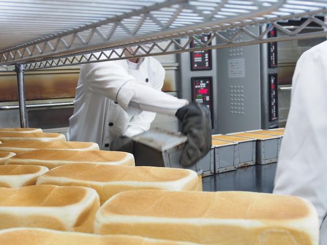 「乃が美」の食パンの製造過程