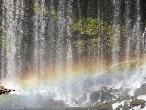 白糸ノ滝虹の中
