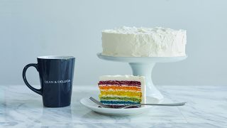 DEAN & DELUCA カフェ丸の内「レインボーケーキ」