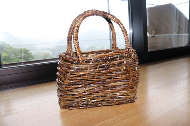 木製のバッグ