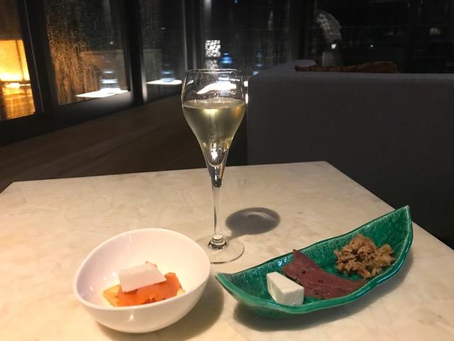 白ワインとおつまみ