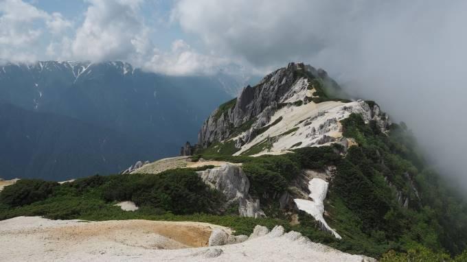 絶景と秘湯に出会う山旅(2)北アルプス燕岳と中房温泉