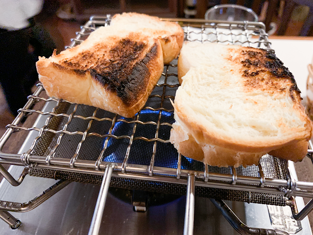 こんがりパンを焼いて