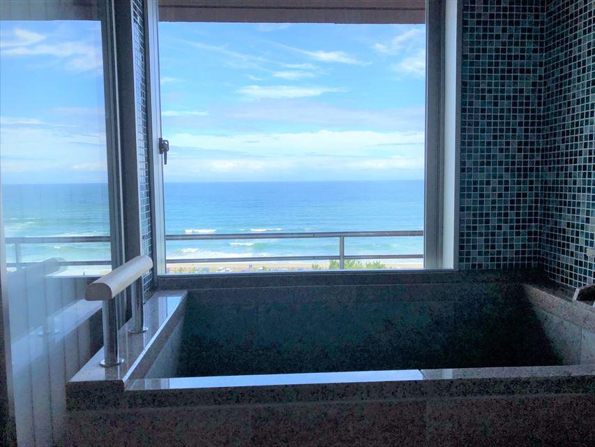 鴨川館 客室露天風呂