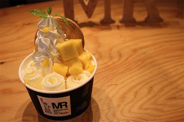 マンハッタンロールアイスクリーム「マンゴー&マンゴー」