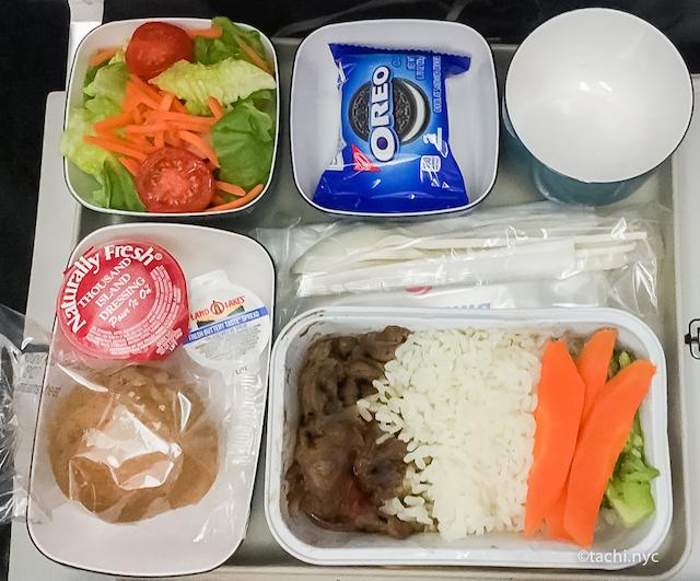 ニューヨーク JFK空港 〜 日本大阪 関西空港間 エアチャイナ機内食