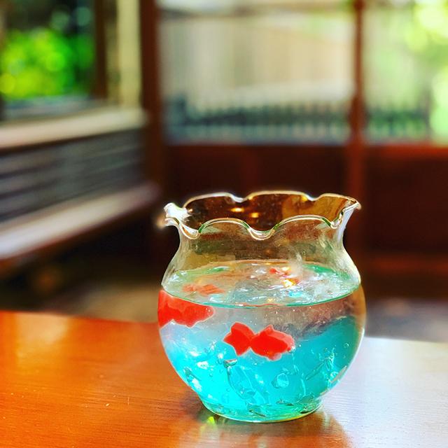 犬山城下町の古民家カフェでSNS映えの涼しげスイーツ「金魚ゼリーソーダ」