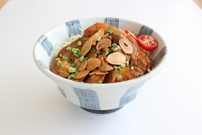 【米山SA(上り線)】四元豚のトンテキ丼
