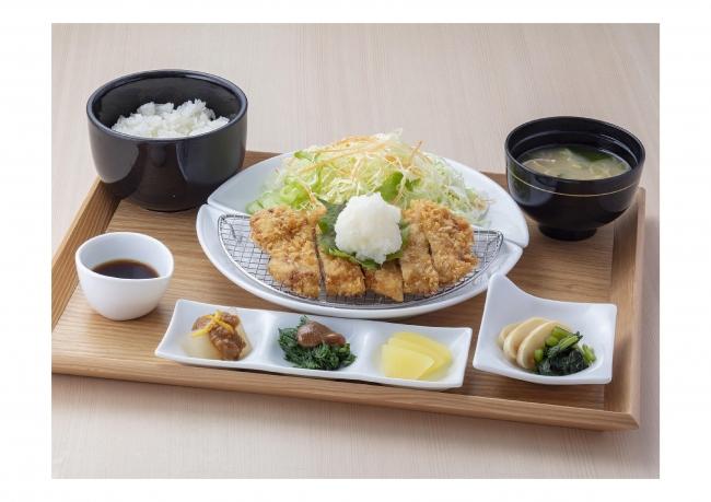 【梓川SA(上り)】 特選豚の塩糀手打ちおろしポン酢とんかつ定食