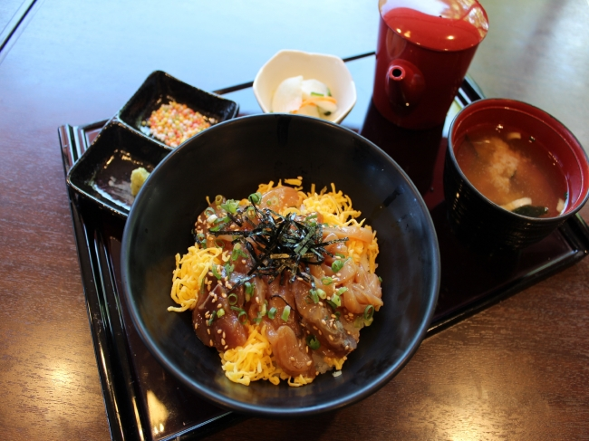 【有磯海SA(上り)】地魚の冷やし漬け丼 ~白えびダシとともに~