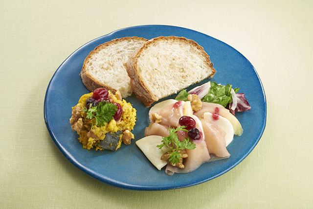 新宿小田急「発見!おいしいふくしまフェア」ミートポットカウンター「モモと生ハムのカプレーゼ仕立てライ麦パンを添えて」