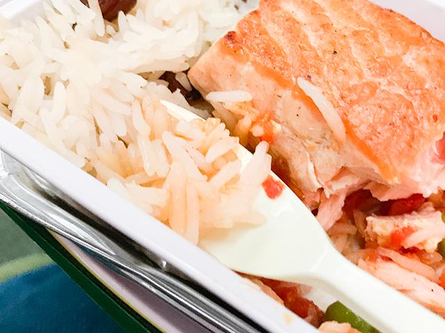 細長いお米。日本ではあまり食べない
