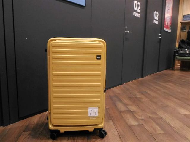 スーツケースのトレンド開き方