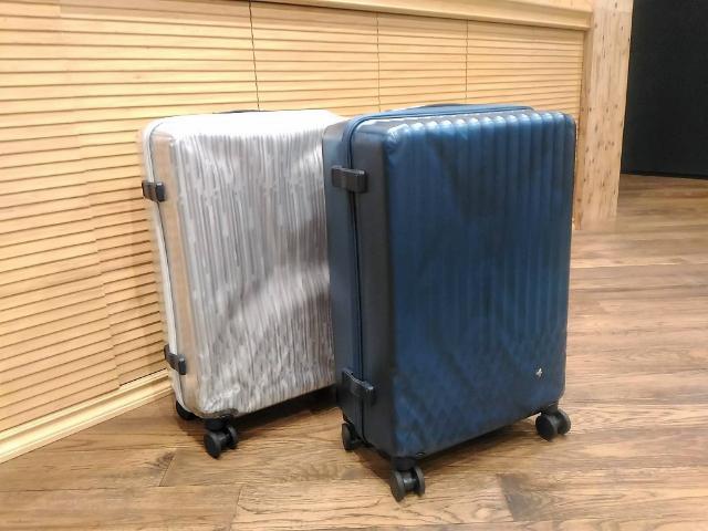 スケルトンスーツケース
