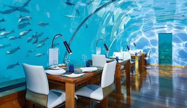 海中レストラン CONRAD MALDIVES RANGALI ISLAND