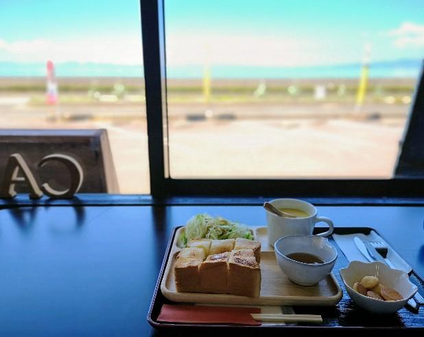 海の見えるカフェひかりシュガートースト