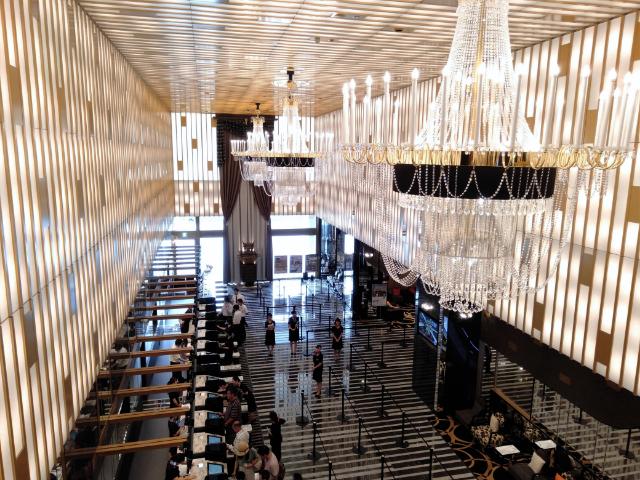 アパホテル&リゾート横浜ベイタワーロビー