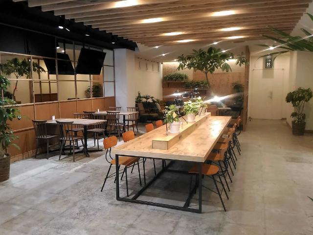 Mash Café & Bed NAGANO(マッシュ カフェ&ベッド ナガノ)ラウンジ2