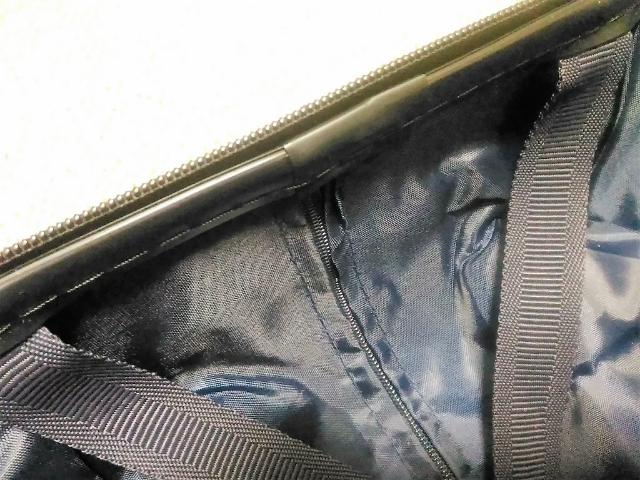 スーツケースのよくあるトラブルメンテナンスファスナー2