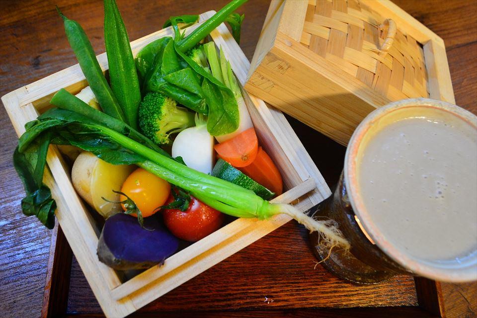 地場野菜の蒸しバーニャカウダ