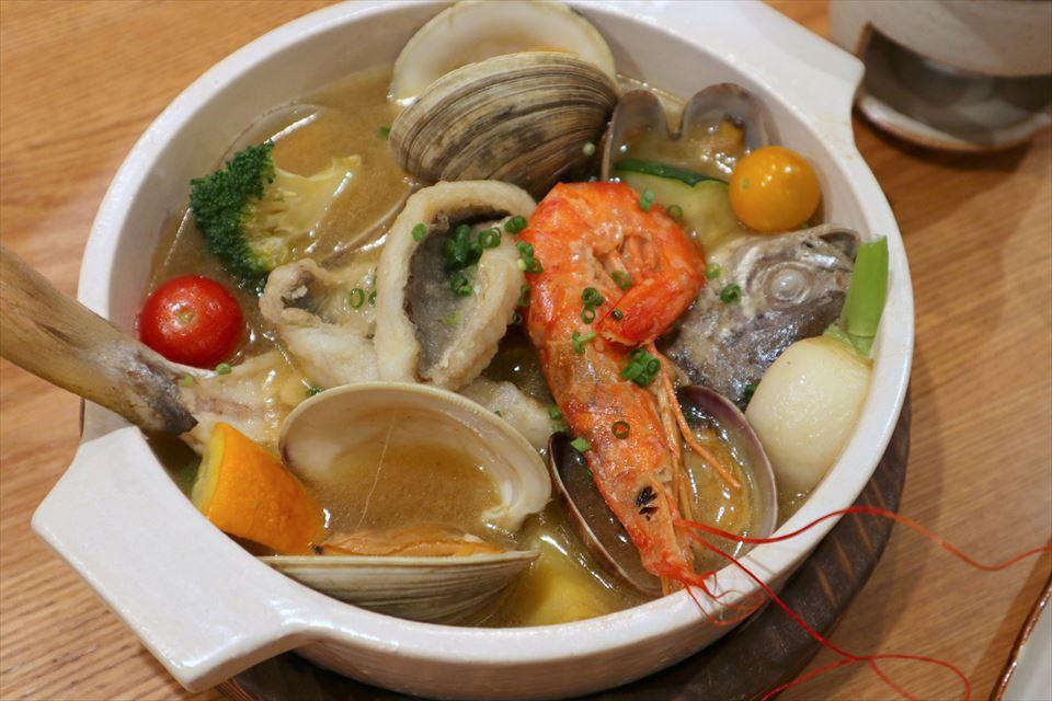 おさかな鍋さん(和風魚介出汁)