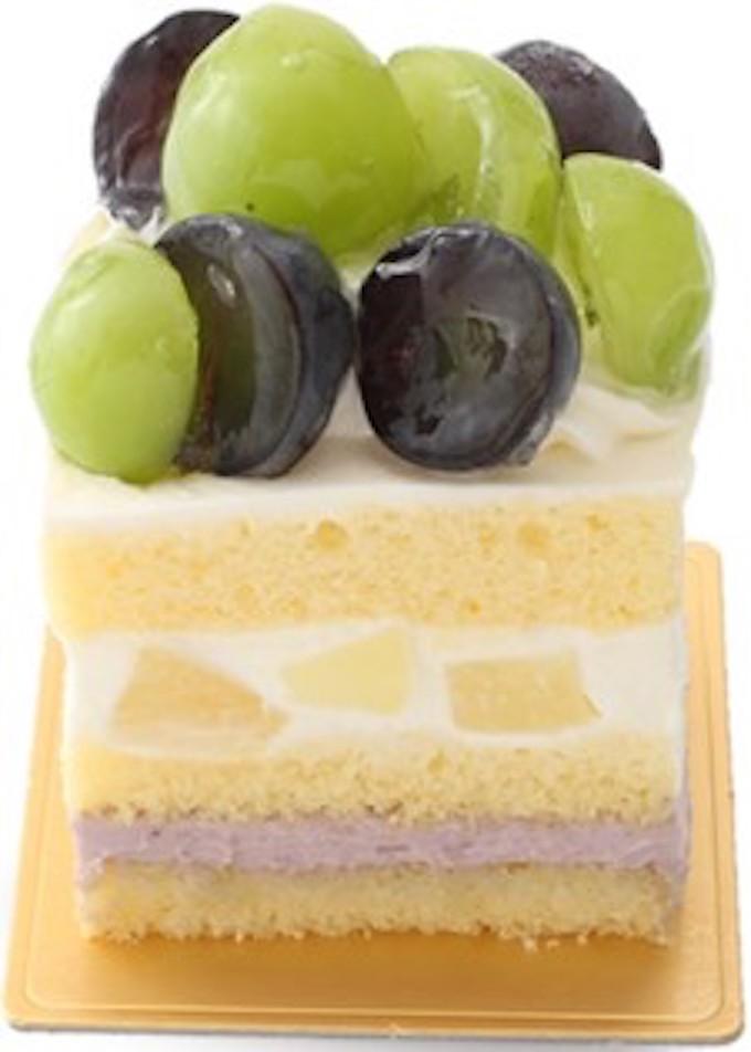 シャインマスカットと巨峰のショートケーキ