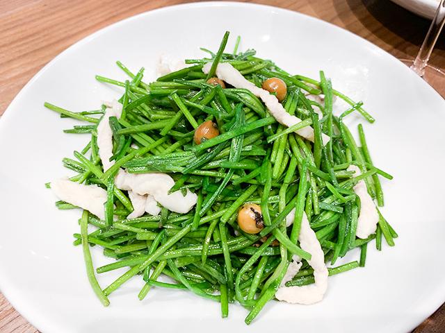 水蓮菜と木の実の炒め(1,480円・税抜)