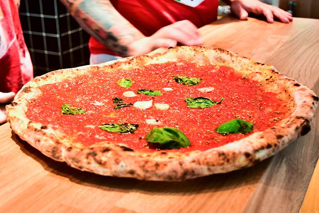 Gino Sorbillo Artista Pizza Napoletanaの絶品ぴざ