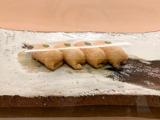 じわっとだしが滲み出る「だしいなり海木」の絶品稲荷寿司