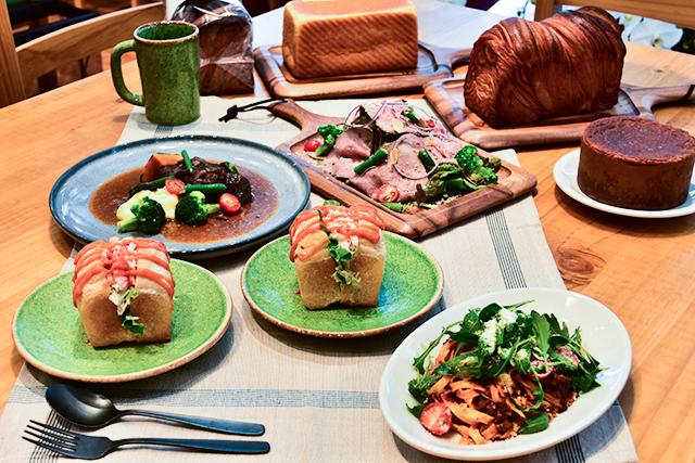 「フェルム ラ・テール 美瑛」のカフェで北海道のグルメを