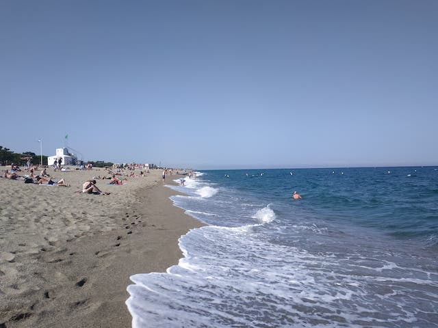 地中海を臨む、フランス南部のアルジェレス・プラージュ
