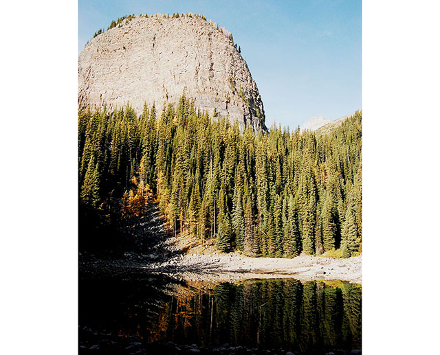 アルバータ州ミラー湖(Mirror Lake)