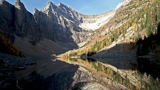 アルバータ州アグネス湖(Lake Agnes)
