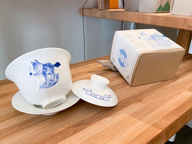 オオカミのイラストが可愛い茶器