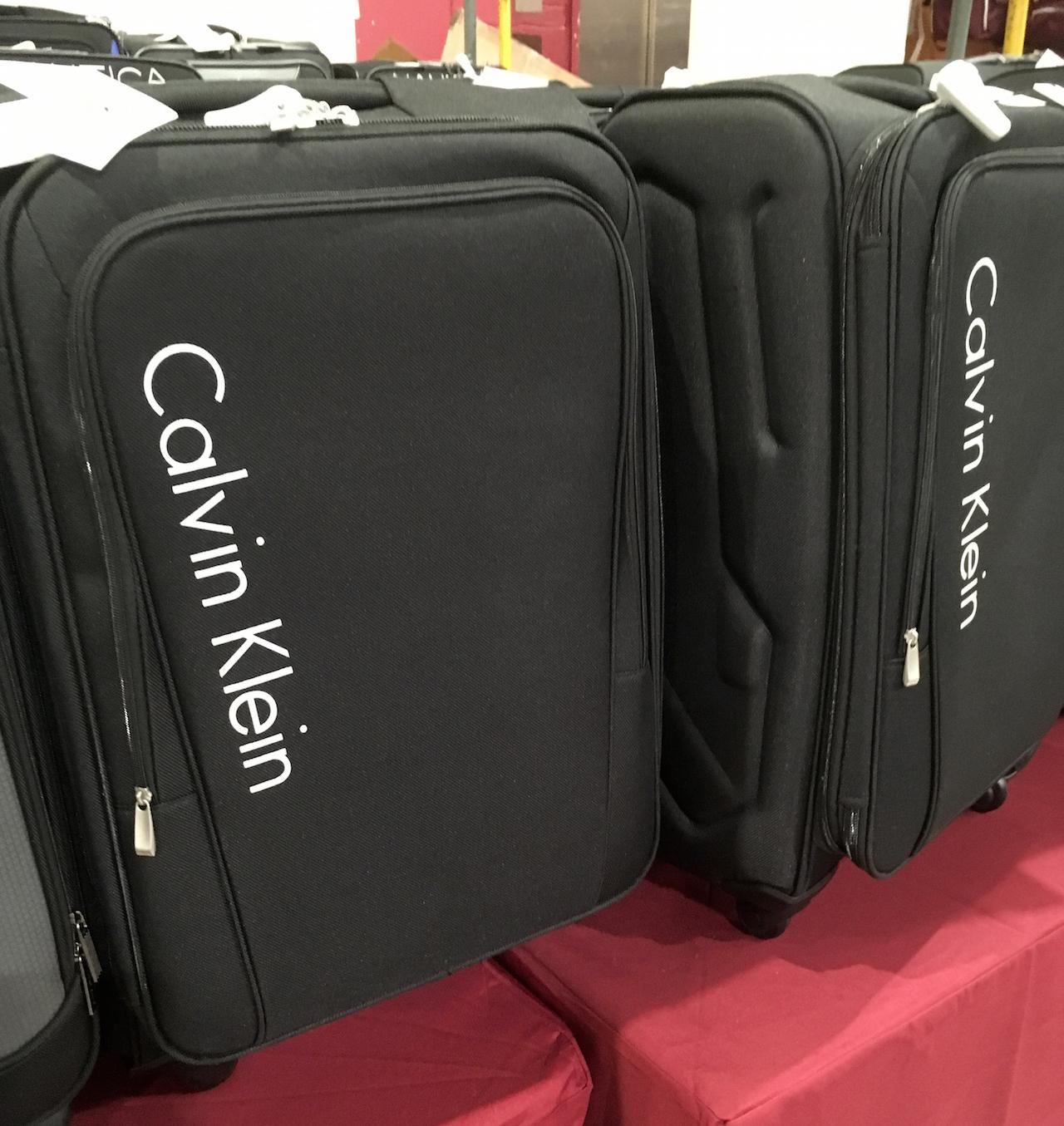 カルバン・クライン スーツケース1