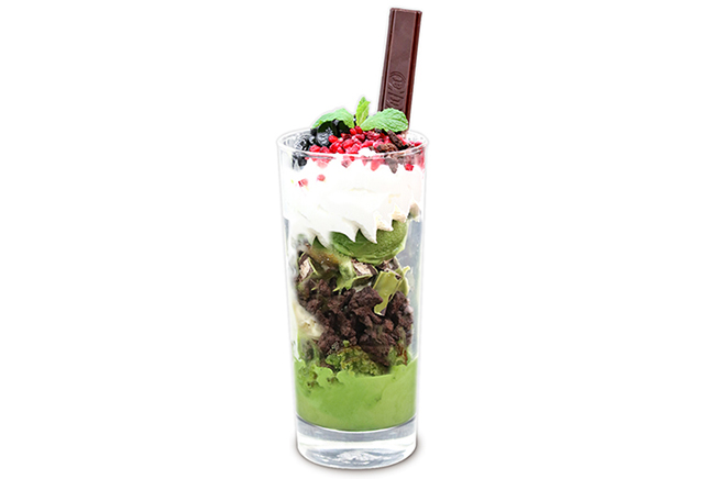 キットカットショコラトリー銀座本店「折り鶴で、想いを伝えるクリスマス」