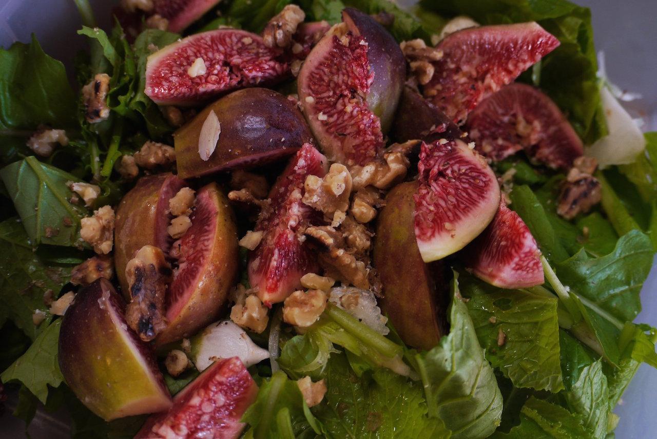 間引き蕪と無花果のサラダ