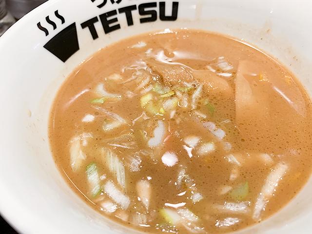動物系と魚介系のWスープはクリーミー