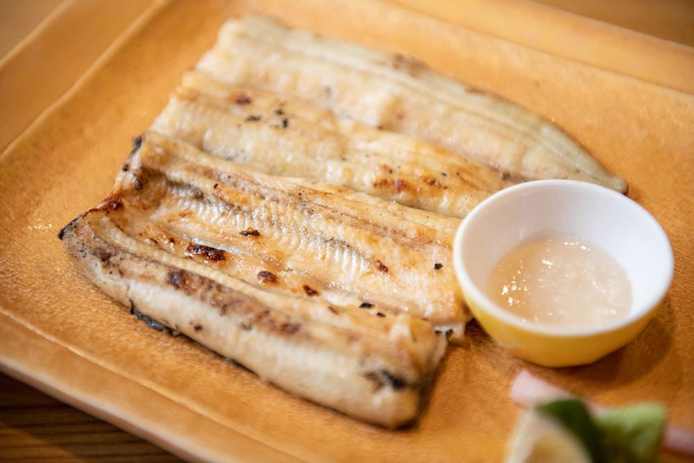 魚登久 白焼き