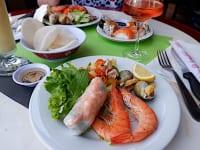 フランスのアジア料理ブッフェ店にて