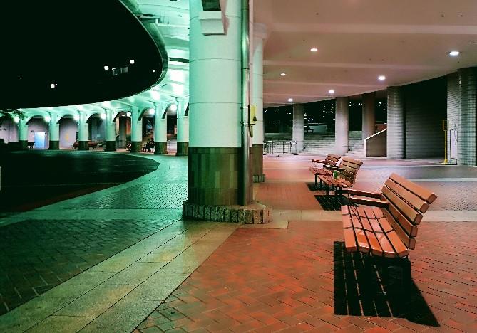 竹芝客船ターミナル 1階中央広場