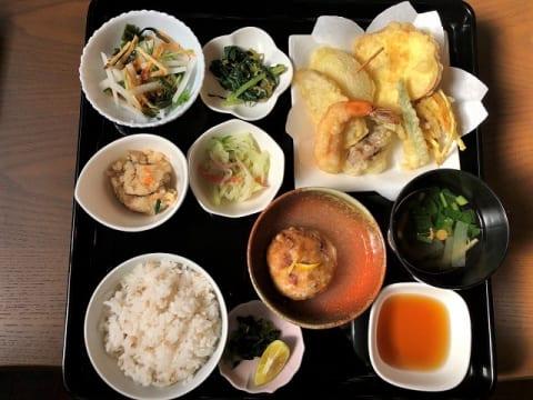 山間傾斜地の伝統農法で作る、究極のベジタリアン料理を実食ルポ【徳島県・にし阿波】