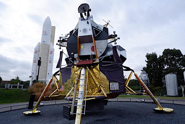 月面着陸船イーグル号レプリカ