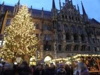 マリエン広場のクリスマス市場