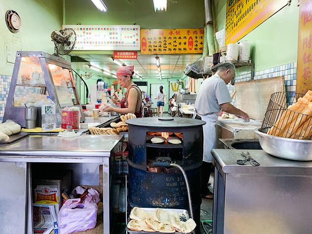 朝ごはんを食べるなら屋台を「はしご」が台湾流!
